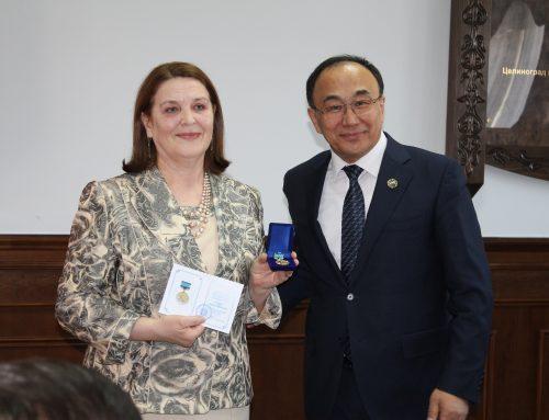 """Un profesor al Facultății de Litere a fost distins cu Medalia """"Lev Gumiliov"""" a Ministerului Învățământului din Kazahstan"""