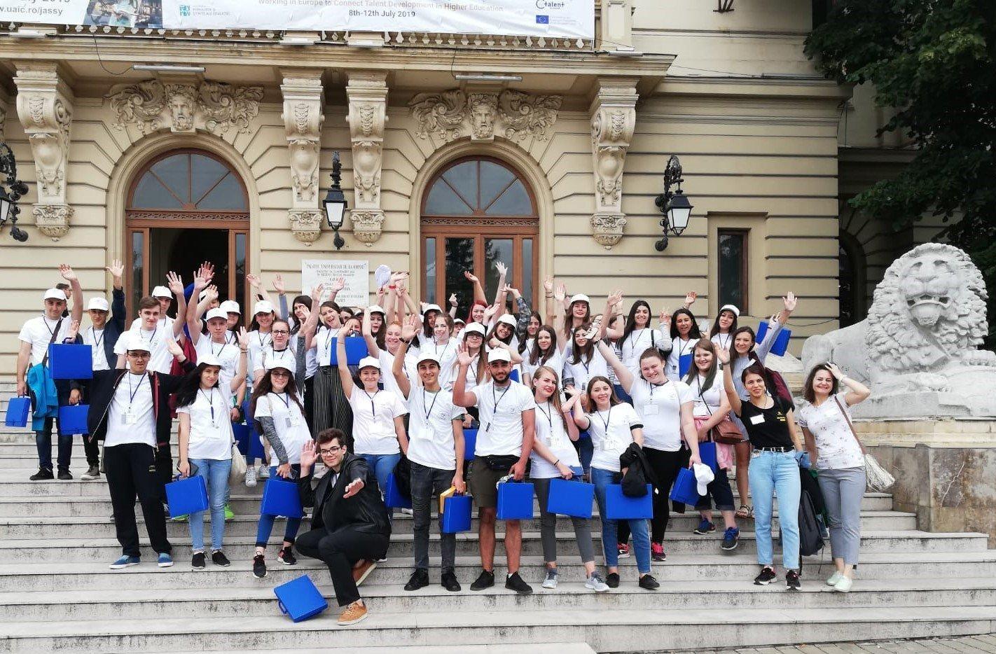 375 de elevi experimentează viața de student la UAIC prin școlile de vară ROSE