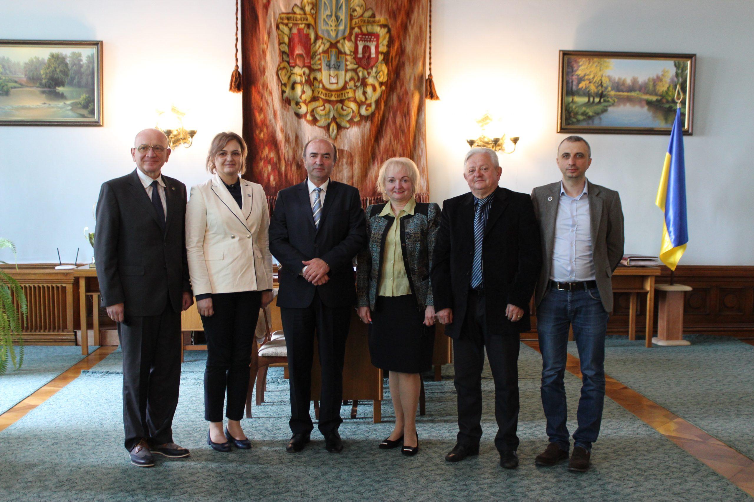 Rectorul UAIC, vizită oficială la Universitatea din Cernăuți